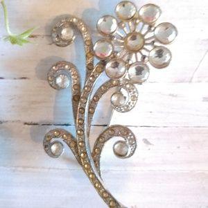 Jewelry - Vtg Unsigned Floral Rhinestone Silver Tone Pin